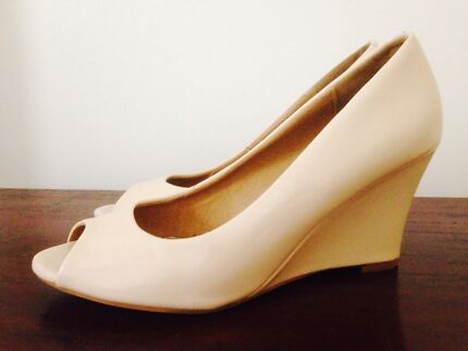 Cream gloss patent wedge shoes size 8  Oaklands Park Marion Area Preview