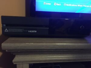 Selling Xbox one 500gb