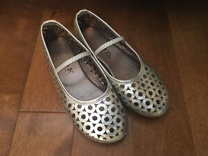 Girls silver size 12 Mary Jane shoes