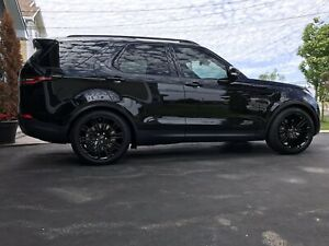2018 LANDROVER DISCOVERY TRIPLE BLK LOADED !!