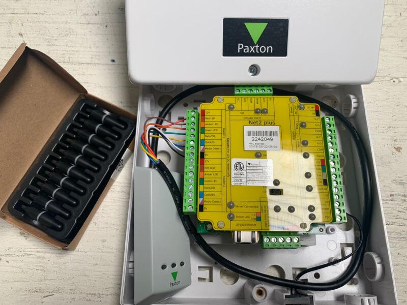 Paxton Net2 plus 1 DOOR CONTROLLER PoE+ Metal Cabinet