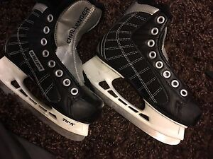 Ice skates Bauer challenger skates Y13R Kitchener / Waterloo Kitchener Area image 2