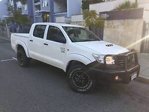 Toyota Hilux sr manual 3.0 turbo diesel 4x4 only 93000 kms Northbridge Perth City Area Preview