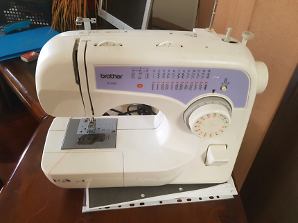Brother XL2620 sewing machine