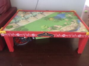 Table de jeu pour train
