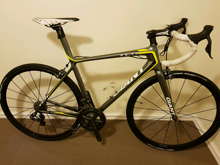Giant TCR Advanced SL Ltd Ultegra Di2 Carbon Road Bike - Size ML