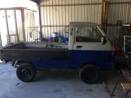 Daihatsu Hijet 2wd mini truck