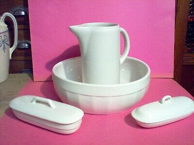 Garniture de toilette 4 pièces broc,cuvette..en faïence belge manufacture Royal