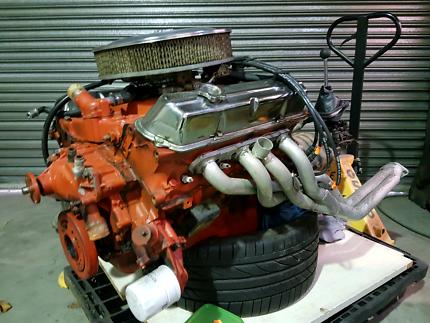 Holden 253 motor + 4 speed manual gearbox