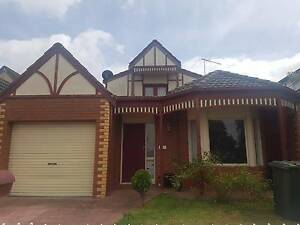 Great house/Great location/cheap rent Carnegie Glen Eira Area Preview