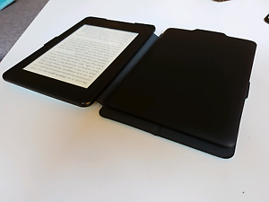 2 Kindle paper while almost new and general used one Macquarie Park Ryde Area Preview