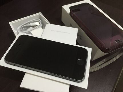 Immaculate condition space grey iPhone 5s 64gb unlock bonus back cover  Epping Whittlesea Area Preview