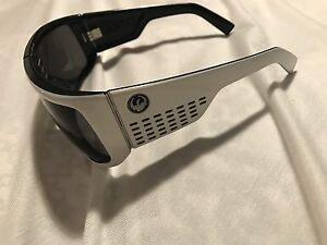 Sunglasses Aberglasslyn Maitland Area Preview