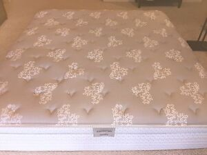 King Size Mattress Cambridge Kitchener Area image 1