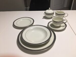 Mikasa Palatial Palace porcelain dishes setting for four