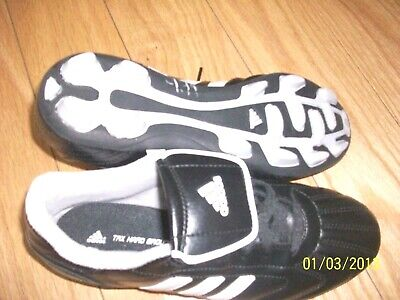 dd9754d40 NWOT ADIDAS TRAXION TRX HARD GROUND B.LACK WHITE SOCCER CLEATS YOUTH SZ 6
