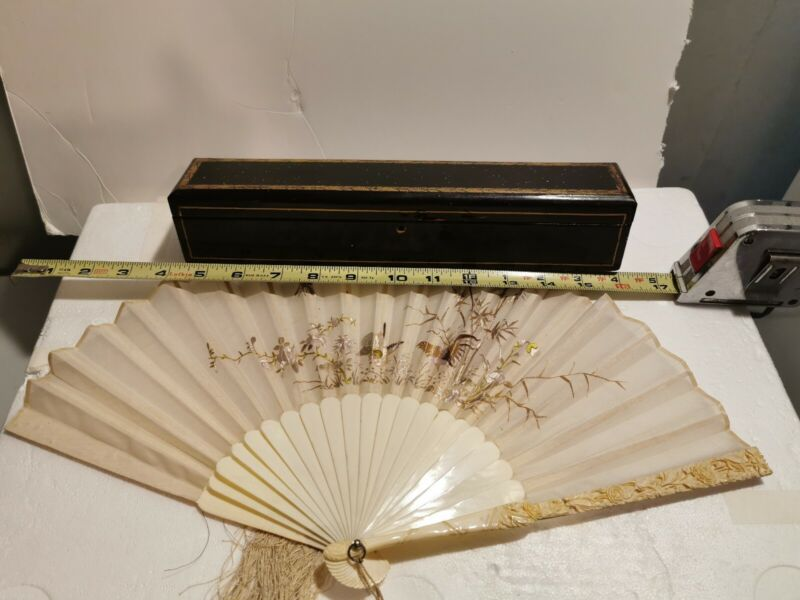 ANTIQUE CHINESE EMBROIDERED FAN   WITH CASED
