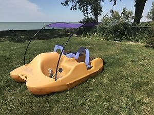 Water Bee Paddle Boat seats 4 Belle River with Canopy