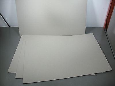 ca. 388 Zwischenlagen/Zuschnitte Graupappe 0,5mm; 54x36 cm für Euroboxen