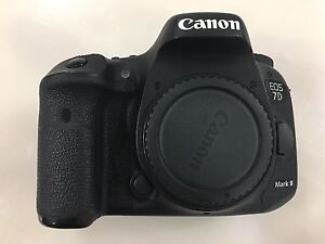 Canon 7D Mark ii Body - must sell