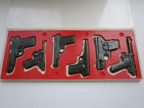 VINTAGE PISTOLS MINIATURE OLD TIME GUNS SOUVENIR GIFT SET 1970