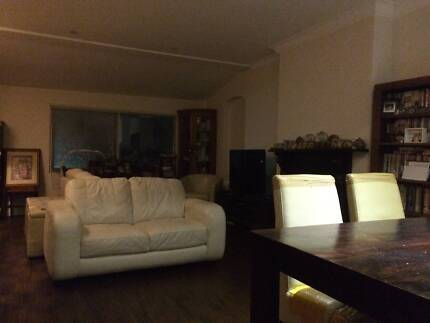 Looking for flatmates (male 1) from darlinghurst