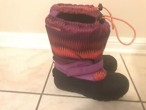 Youth Girls Columbia Winter Boots Size 5