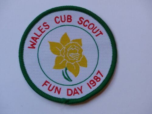 Unused Vintage WALES CUB SCOUT FUN DAY 1987 United Kingdom Scout Badge Patch