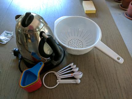 Free kitchen ware