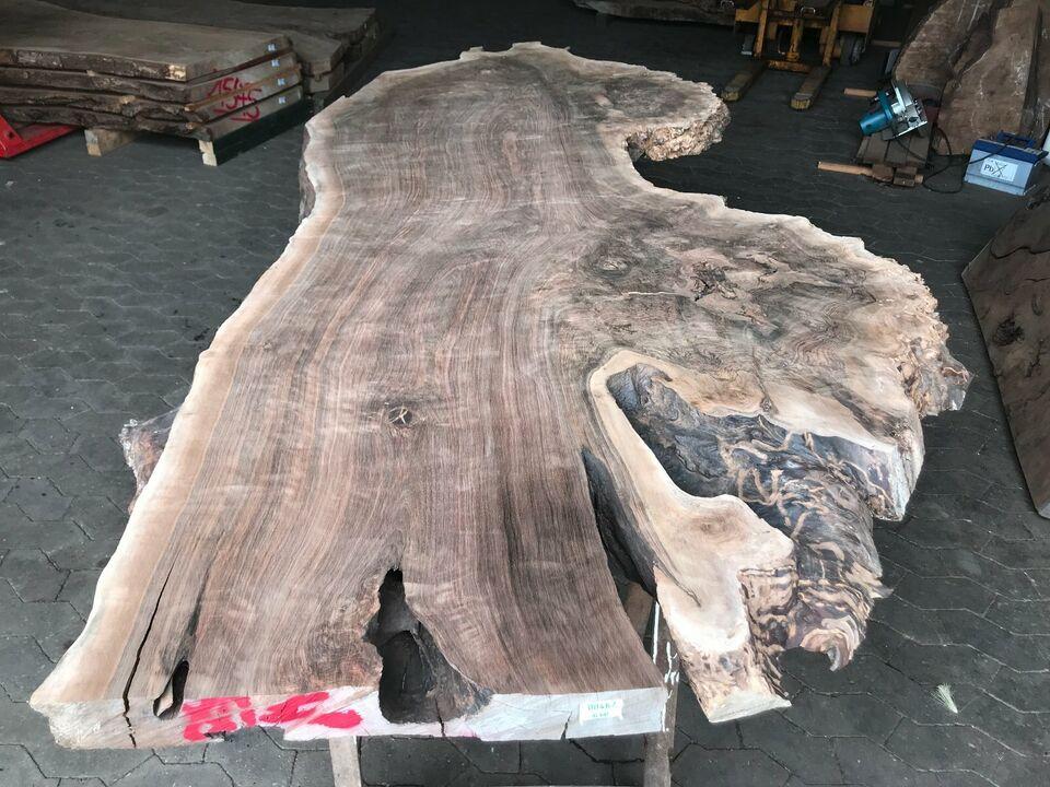 Tischplatte Bohle Esstisch Massiv Nussbaum Epoxidharztisch in Halsenbach