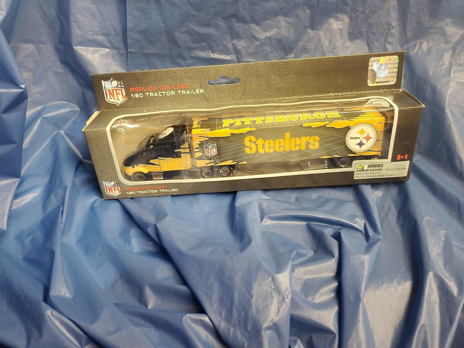 STEELERS DIE CAST TRACTOR TRAILER 2009 PRESSPASS NEW IN BOX