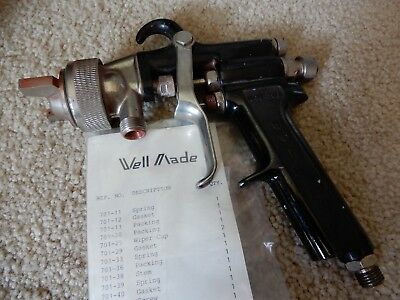 WELL MADE MODEL WM-701 PAINT SPRAY GUN WITH ACCESSORIES