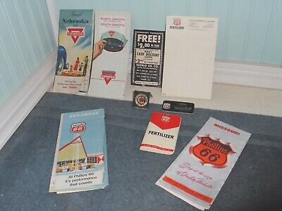 MIXED VINTAGE LOT OF PHILLIPS 66 GAS STATION ITEMS ROAD MAPS BADGE CONOCO OIL