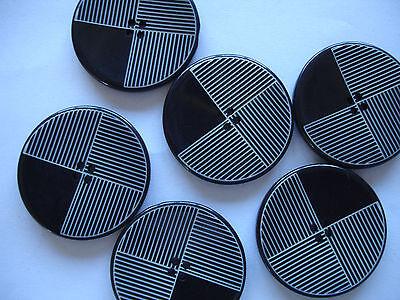 3 Knöpfe schwarz, weiß 4-Loch 30mm W139.2