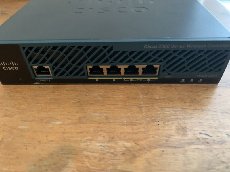 Cisco 2504 AIR-CT2504-5-K9 Wireless Controller includes power adapter