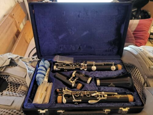 Buffet Crampon B12 Clarinet - In case,with Cleaner & Reeds