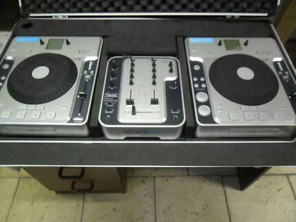 Stanton DJ decks in roadcase ,