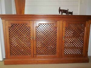 BEAUTIFUL QUALITY CABINET Seaforth Manly Area Preview