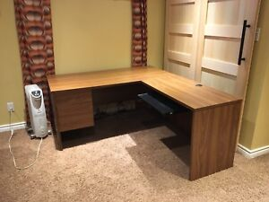 Solid L shaped office desk