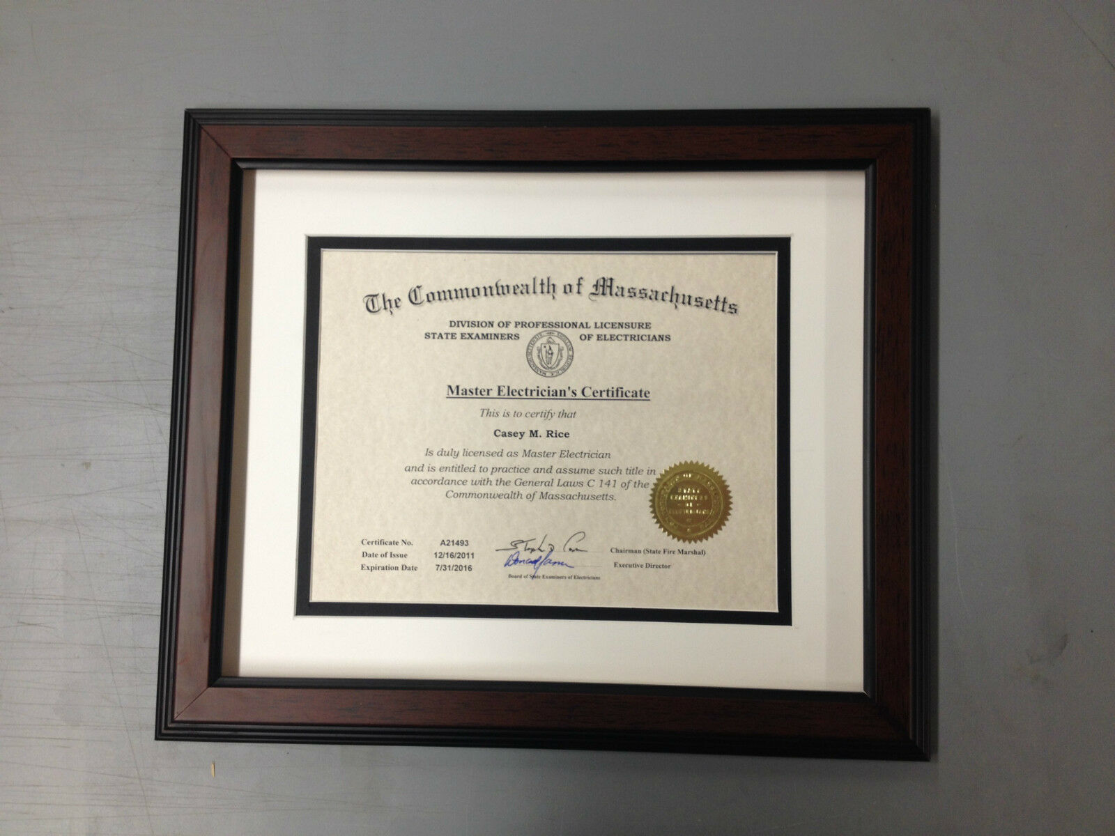 "HIGH QUALITY CUSTOM 1 1/2"" Walnut Diploma/Certificate Frame w/2 Mats"