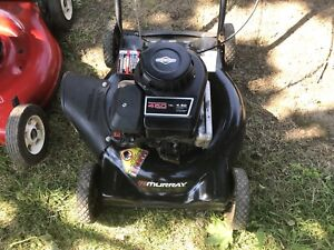 Murray lawnmower with 148 cc Briggs and Stratton. All tuned up.