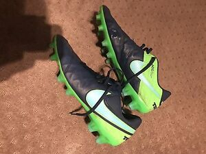 "*Basically New* Soccer/Football Boots ""Nike Tempo Legend VI FG Macquarie Hills Lake Macquarie Area Preview"