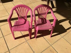Pink kids chairs Bella Vista The Hills District Preview