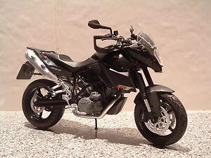 1-12-KTM-990-SMT-SM-T990smt-Doble-Deporte-modelo-Estupendo-DETAIL-Fantastico