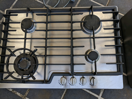 Gas stove top and rangehood Westinghouse