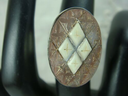 VTG CARVED CROSS MOTHER OF PEARL STERLING SILVER OVAL RING SIZE 4.75 WT 7.6 GR