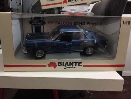 Biante Classic 1:18  Starlight Blue Ford Falcon XW GTHO
