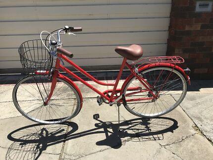 Vintage bike  Port Melbourne Port Phillip Preview