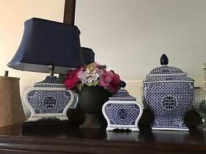 Bombay 3 pieces china set(one table lamp)