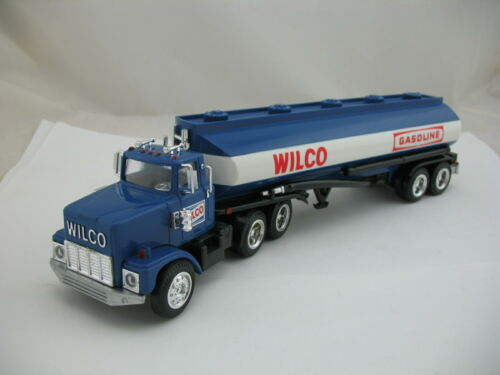 Wilco Gasoline 1985 Toy Tanker Truck Bank (same as Hess 1984), with Box